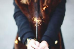 Sparks, teplo, ruky, dievča, oslava