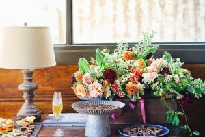 lamp, flower, bouquet, table, decoration, food, sweet, celebration