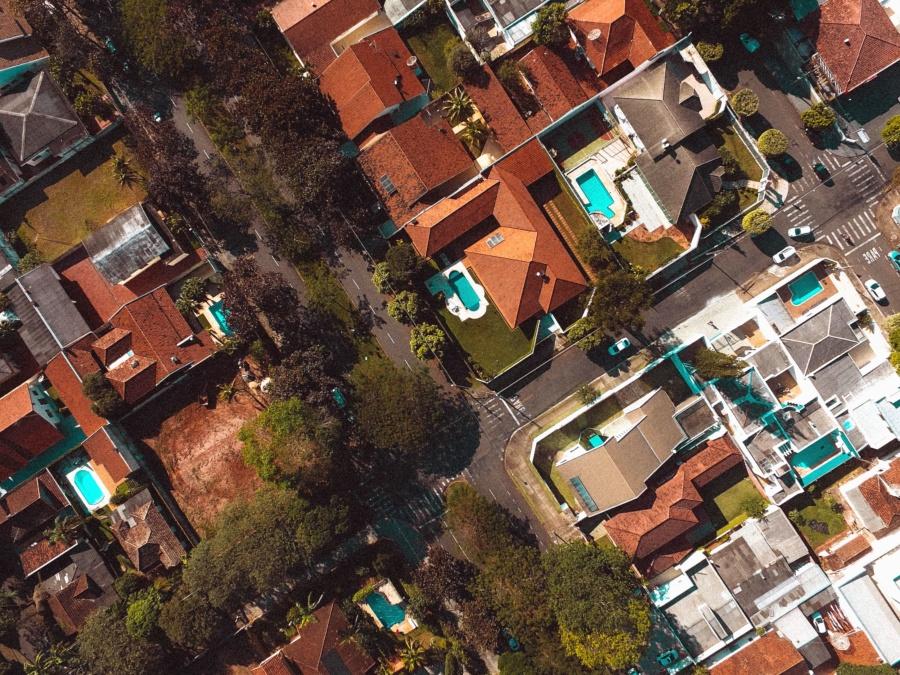 къща, басейн, сграда, улица, дърво, покрив, кола, асфалт