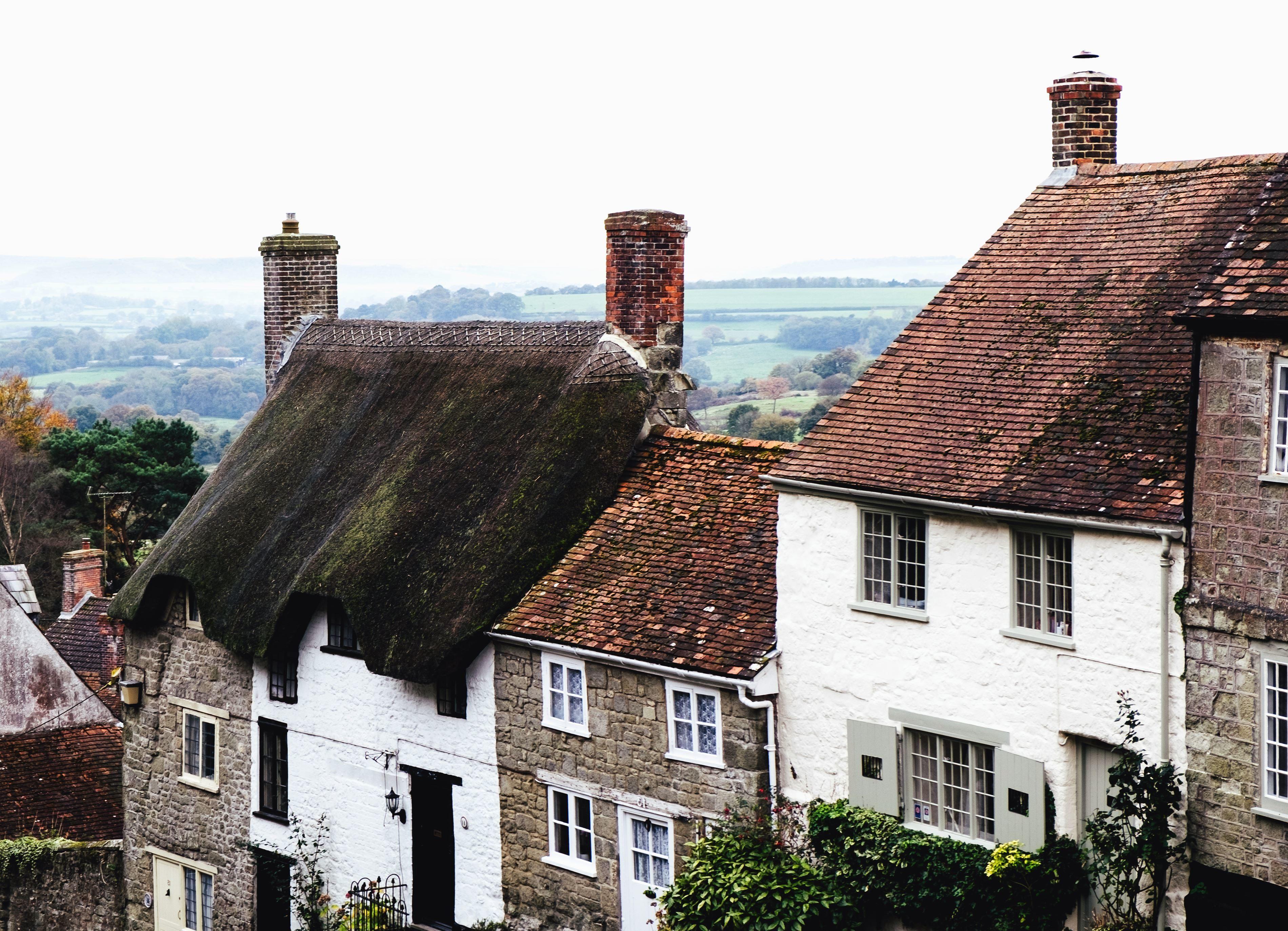 Kostenlose Bild Schornstein Dach Fliesen Haus Fassade Fenster