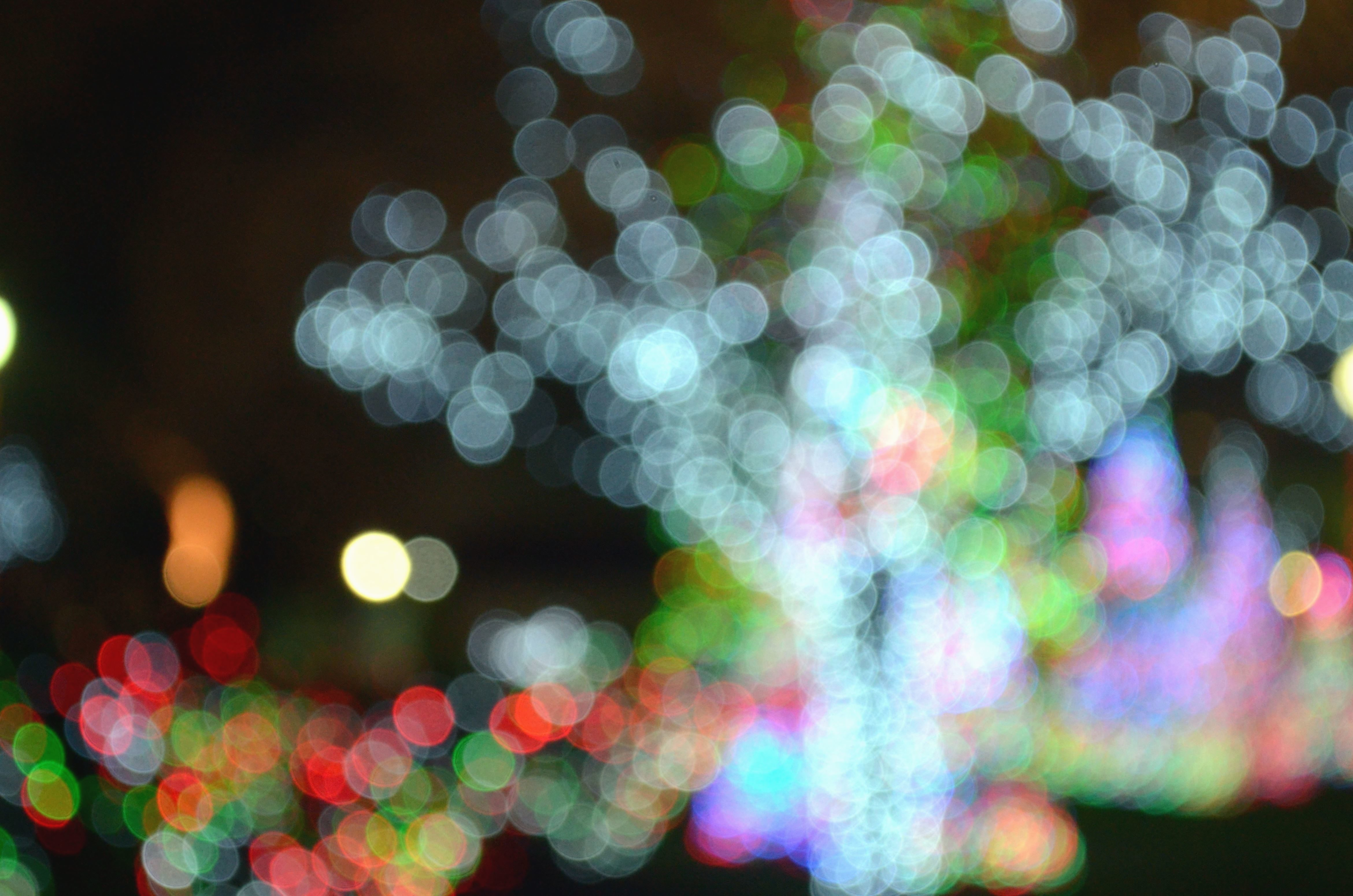 картинки с яркими огнями комплекса символично
