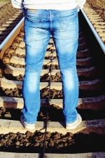 jernbanen, rails, sten, mand, jeans, metal