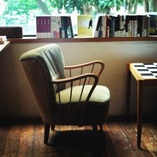 stoel, boek, tafel, meubelen, venster, glas