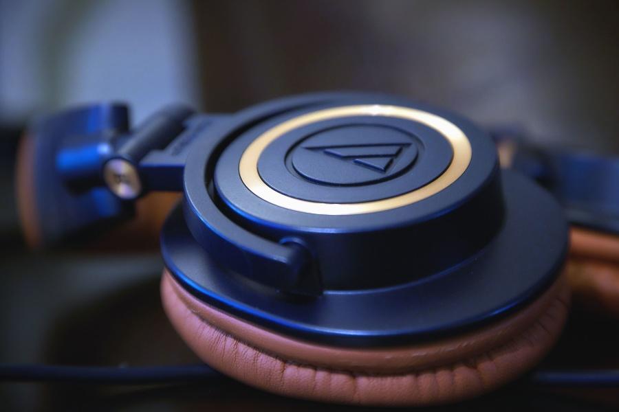 headphones, sound, music, electronics, technology, insulation
