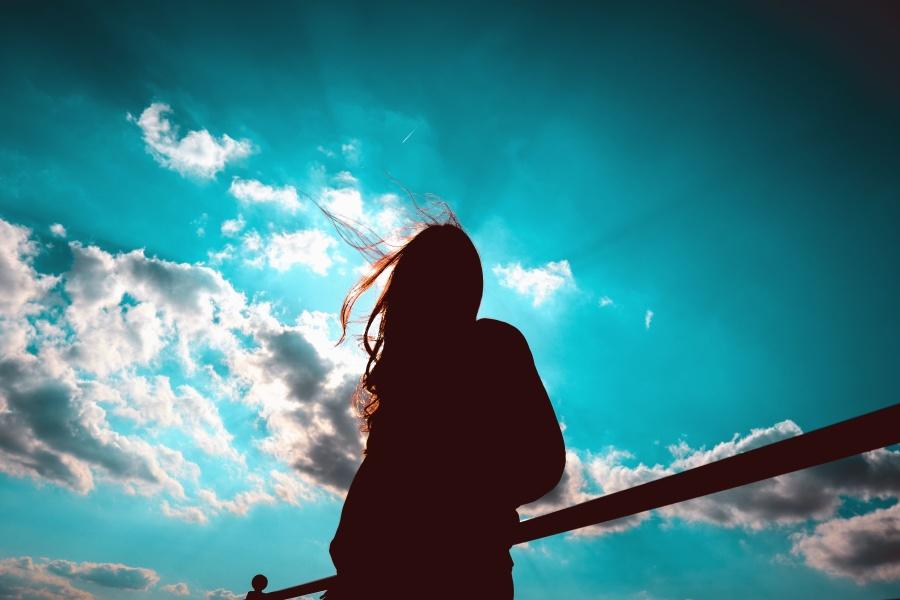nebo, zrak, svjetlo, sunce, silueta, ograda, djevojka