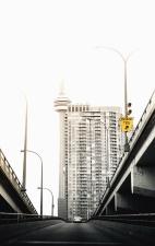 Carretera, ciudad, edificio, arquitectura, viaducto, señal, lamppost