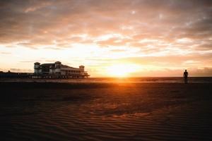 Sunce, zgrada, čovjek, krajolik, pijesak, more, obala