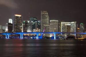 建物、川、水、光、市橋