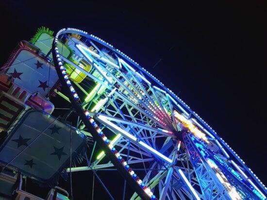 Roue, parc d'attractions, amusant, lumineux, fluorescent