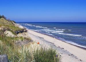 beach, sea, water, shore, landscape, travel, sand, summer, sky, plantmountain, summer, coast