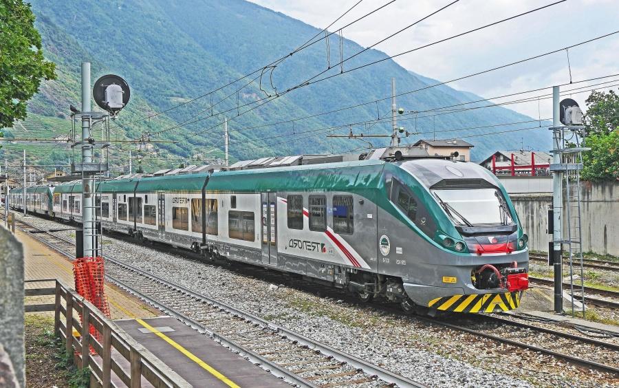 train, vehicle, locomotive, transportation, travel, passenger, wagon, electromotive
