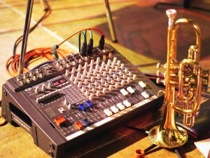 brass instrument, trumpet, electronics, audio, equipment