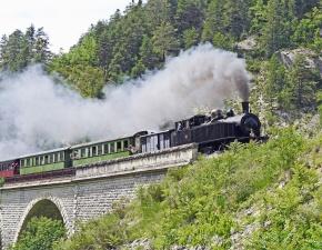 most, dym, komín, lokomotíva, vagón, cestujúcich, dopravné