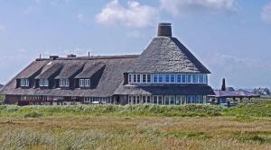 Architecture, fenêtre, ciel, herbe, bâtiment, structure, toit
