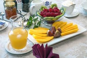 Queso, frambuesa, kiwi, jugo, jarra, miel, comida