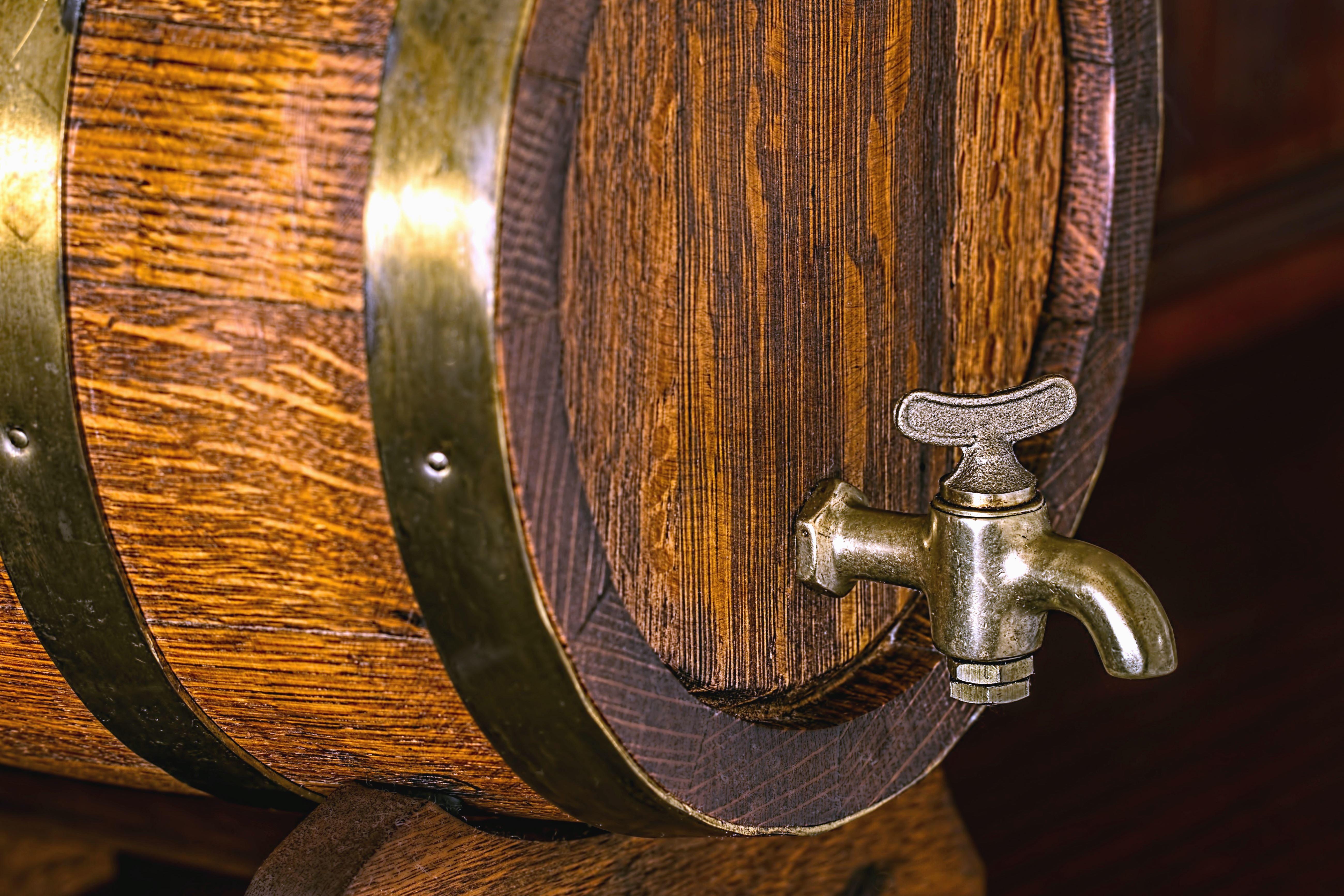 Free picture: barrel, faucet, wood, metal, hoop