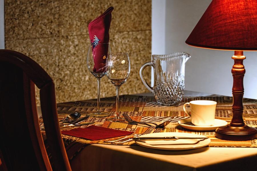 Vidrio, plato, cuchillo, lámpara, tabla, decoración, servilleta