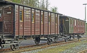 Vagón, carga, ferrocarril, estación, pasto o césped