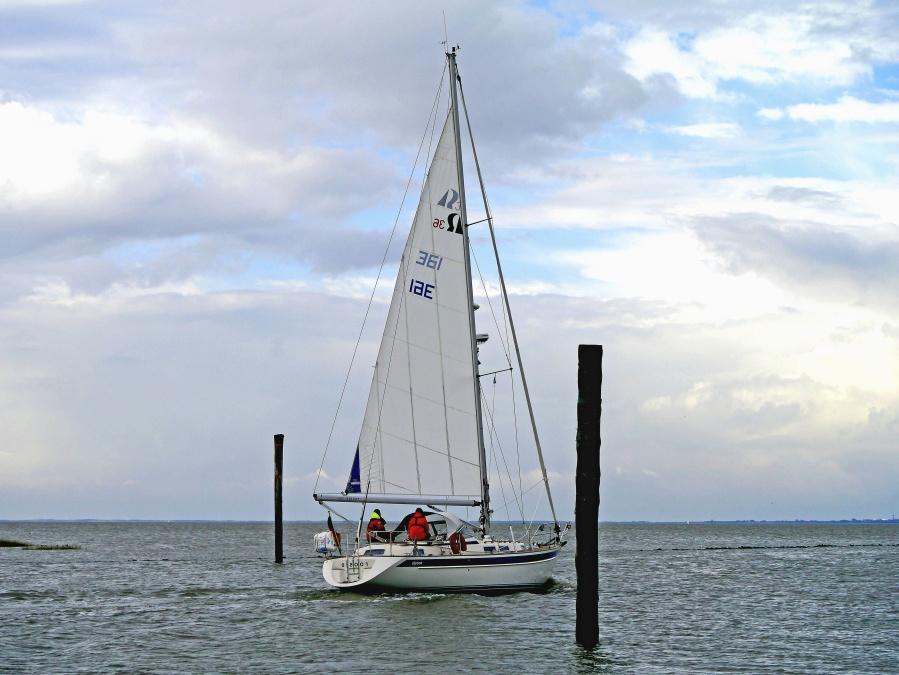 vessel, yacht, sailboat, boat, sea, ocean, water, sail, vehicle, sky, ship, travel