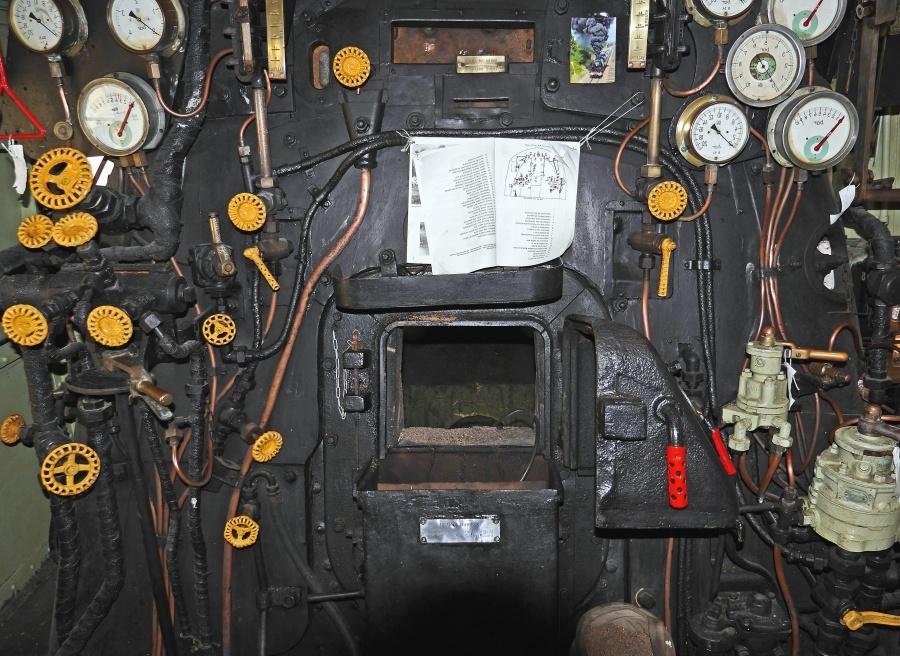 locomotive, firebox, measurer, pressure, valves, train