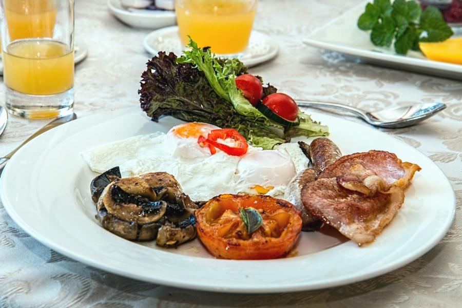 meal, plate, dinner, food, fruit juice, lunch, restaurant, meat, cuisine, delicious, sauce