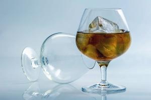 brýle, nápoje, ledové čaje, ovocné šťávy, občerstvení