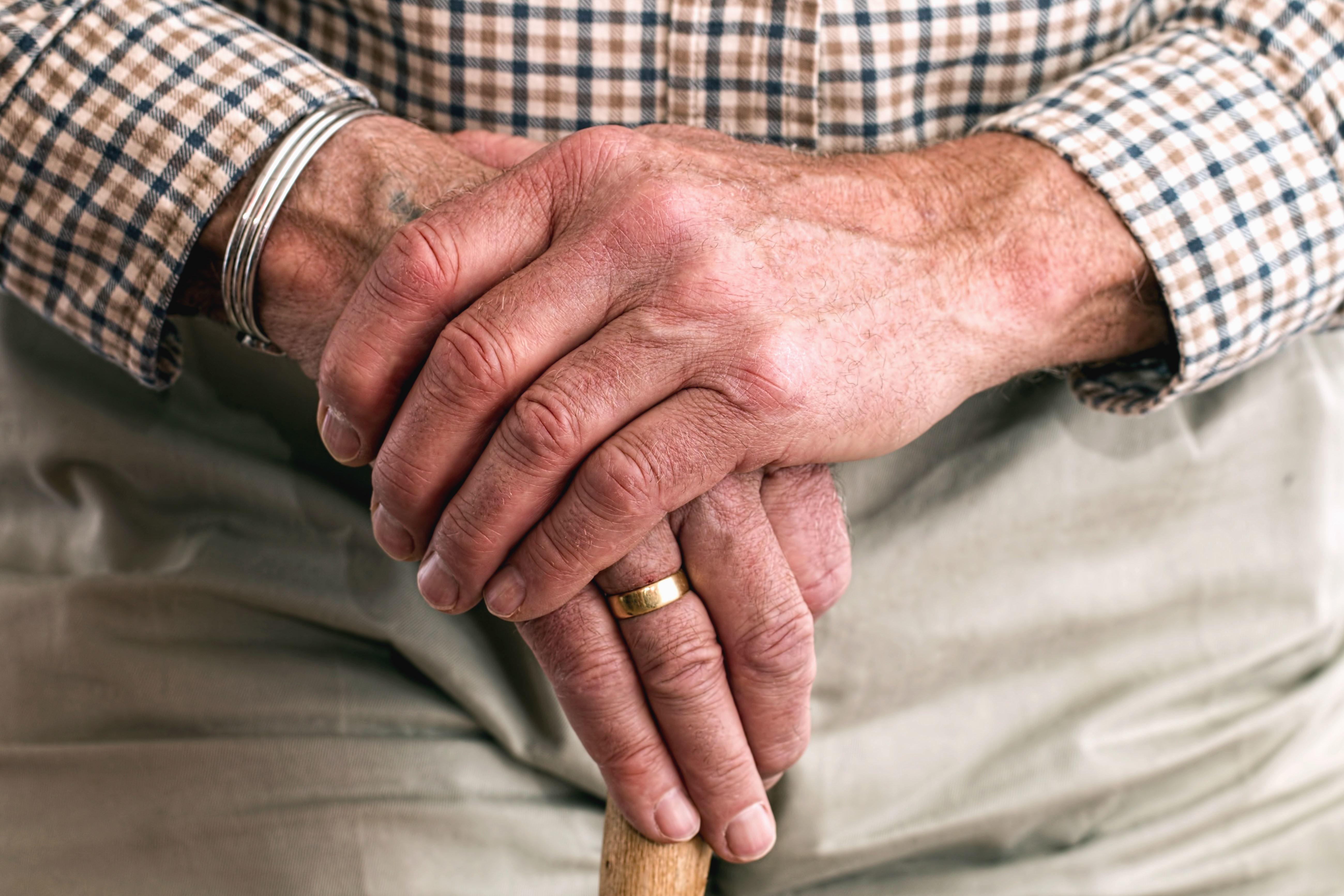 Free picture: man, hand, wedding ring, stick, shirt