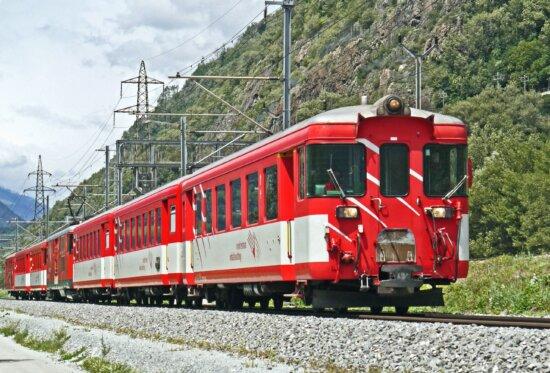 電車やバス