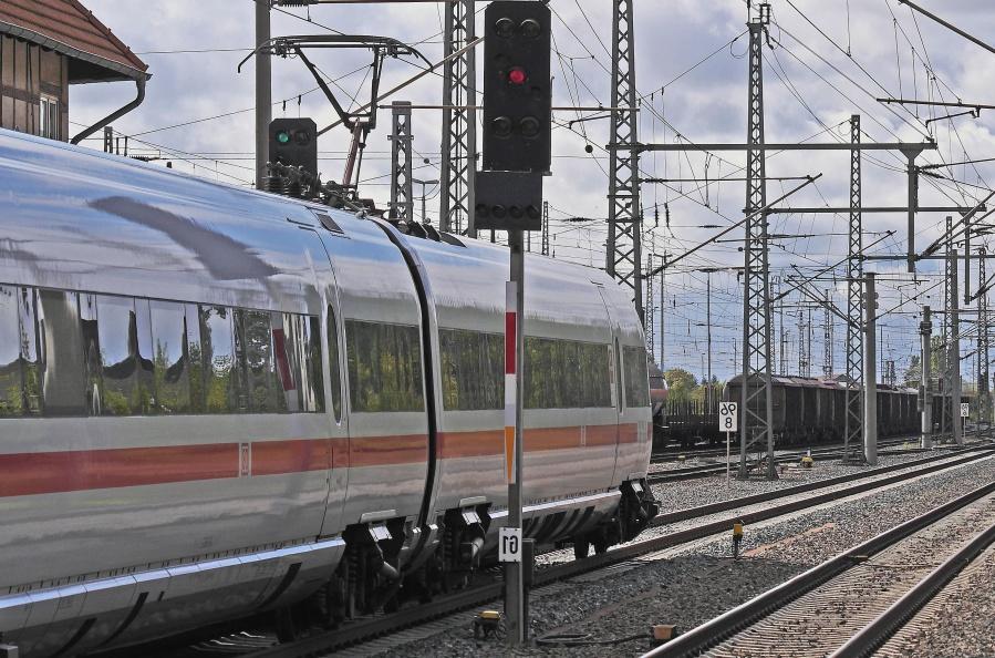 stavba, semafor, železnice, vlak, lokomotiva, osobní přeprava