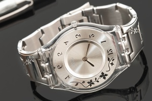 wristwatch, bracelet, metal, chrome, clock, hour, minute, time