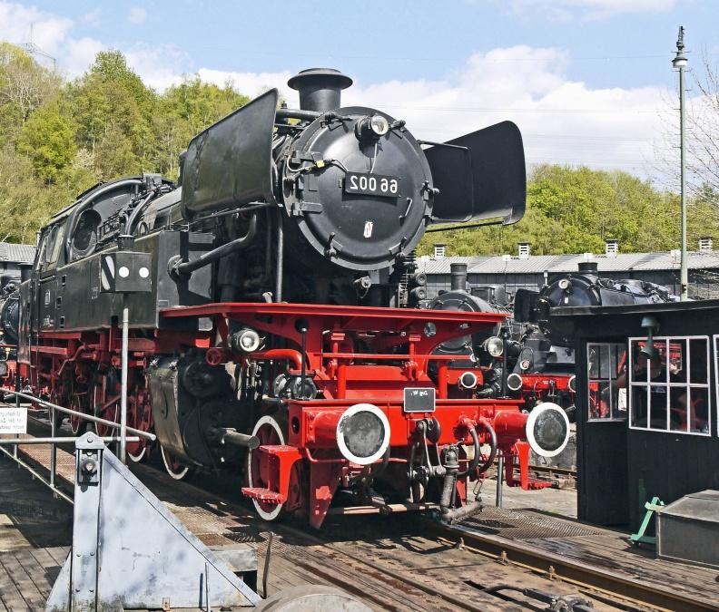 влак, Локомотив, механика, двигател, станция, музей, ограда, стомана, пара
