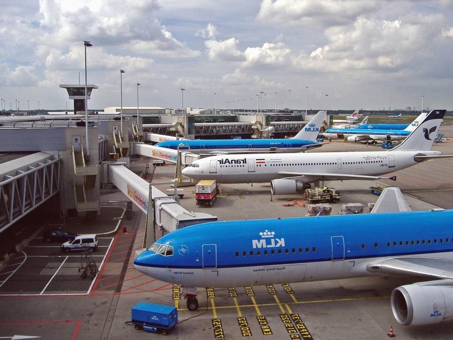 Aéroport, piste, avion, tour, voiture, bâtiment, architecture