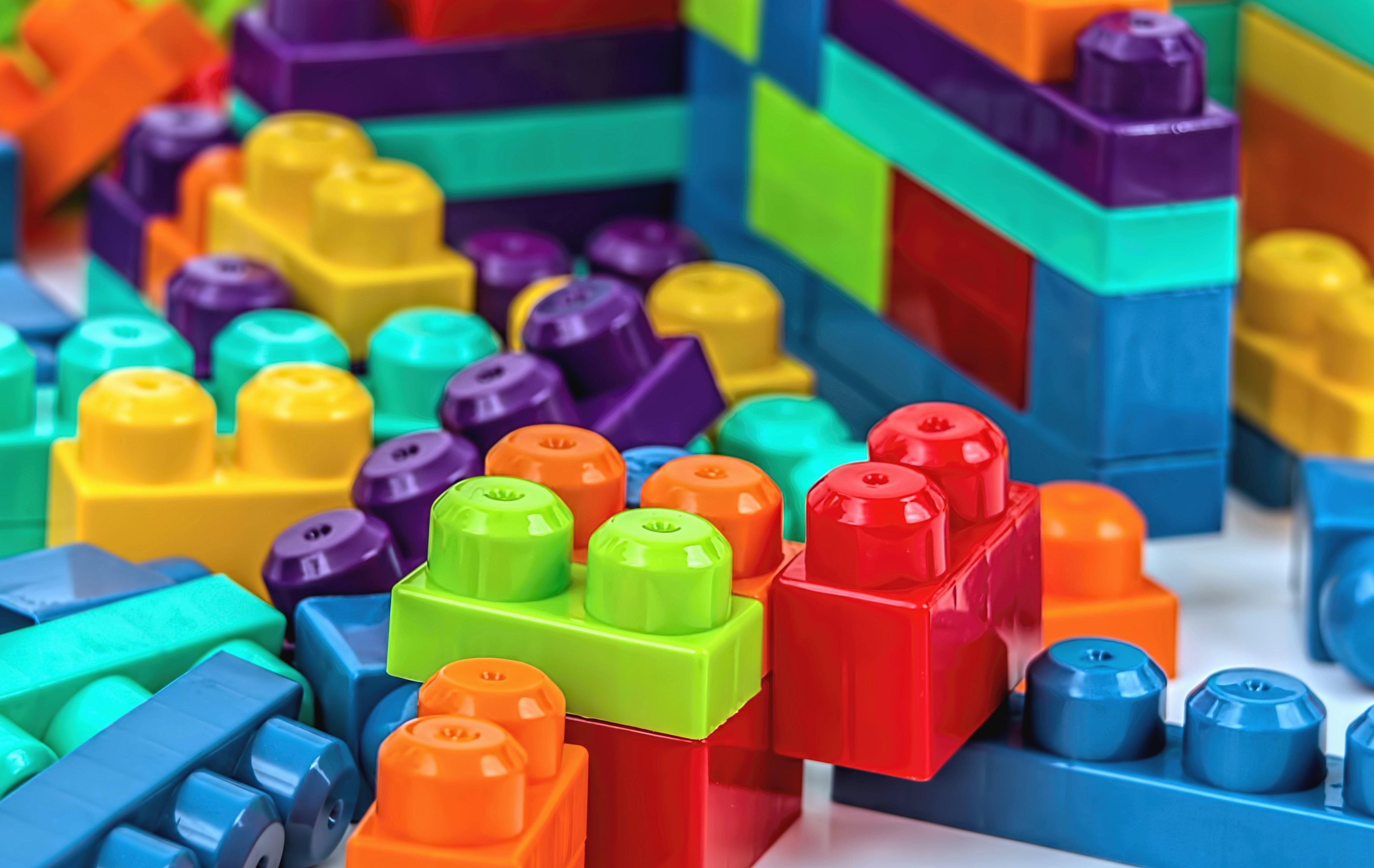 Foto gratis cubo giocattolo colorare colorito bambino