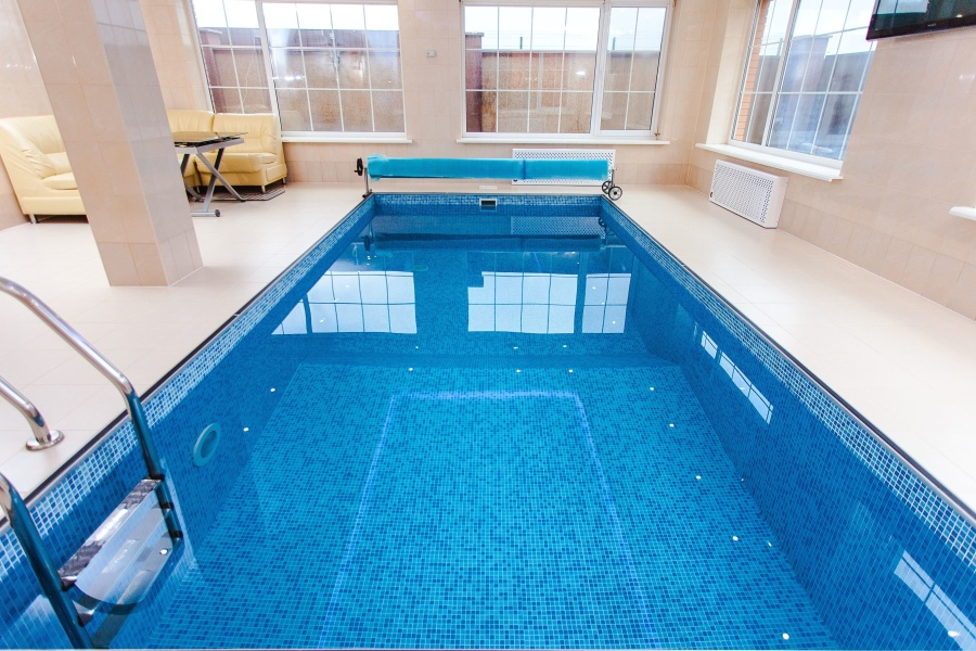Gratis afbeelding: zwembad water interieur tafel recreatie venster