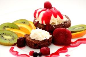 храна, десерт, плодове, ягодоплодни, свеж, сладки, вкусни, ягоди, киви, сироп