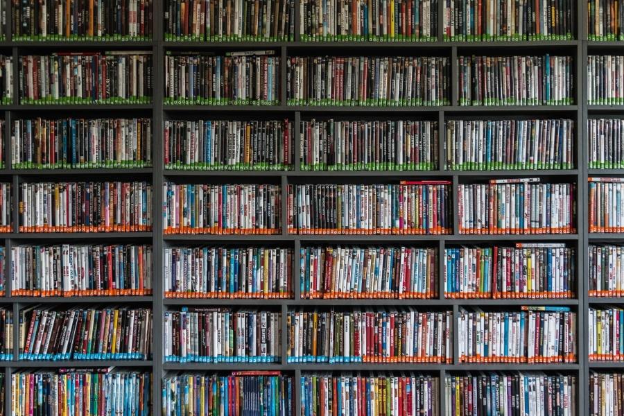 Scaffali Negozio Libreria.Foto Gratis Biblioteca Collezione Libreria Edificio