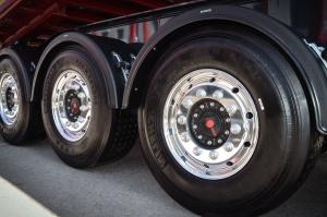 Neumático, camión, perno, guardabarros, metal, rueda