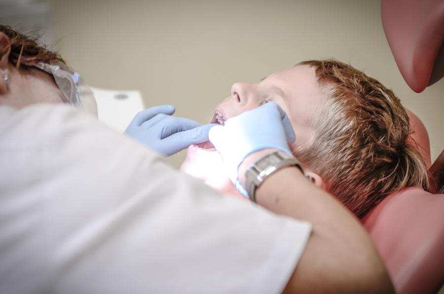 hand, care, tooth, dentist, hygiene, medicine, docotor, woman, child