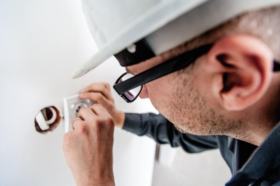 electricity, worker, man, person, helmet, eyeglasses