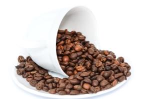 Grain de café, porcelaine, tasse, assiette, caféine