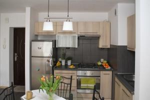 rom, hjem, kjøkken, kjøleskap, ovn, tabell, interiør, møbler
