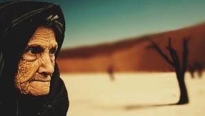 高齢者、祖母、しわ、スカーフ、目、ツリー、砂漠