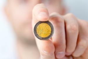 kim loại đồng xu, tiền, tiền tệ, tay, kinh doanh, ngón tay, tài chính, nền kinh tế