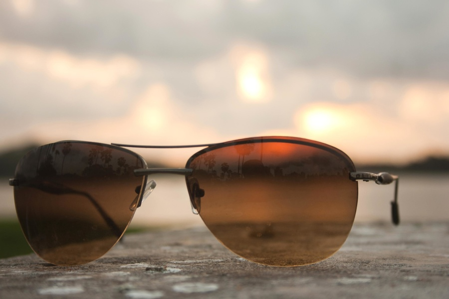395f56dc958 How to Buy Sunglasses for Someone Else