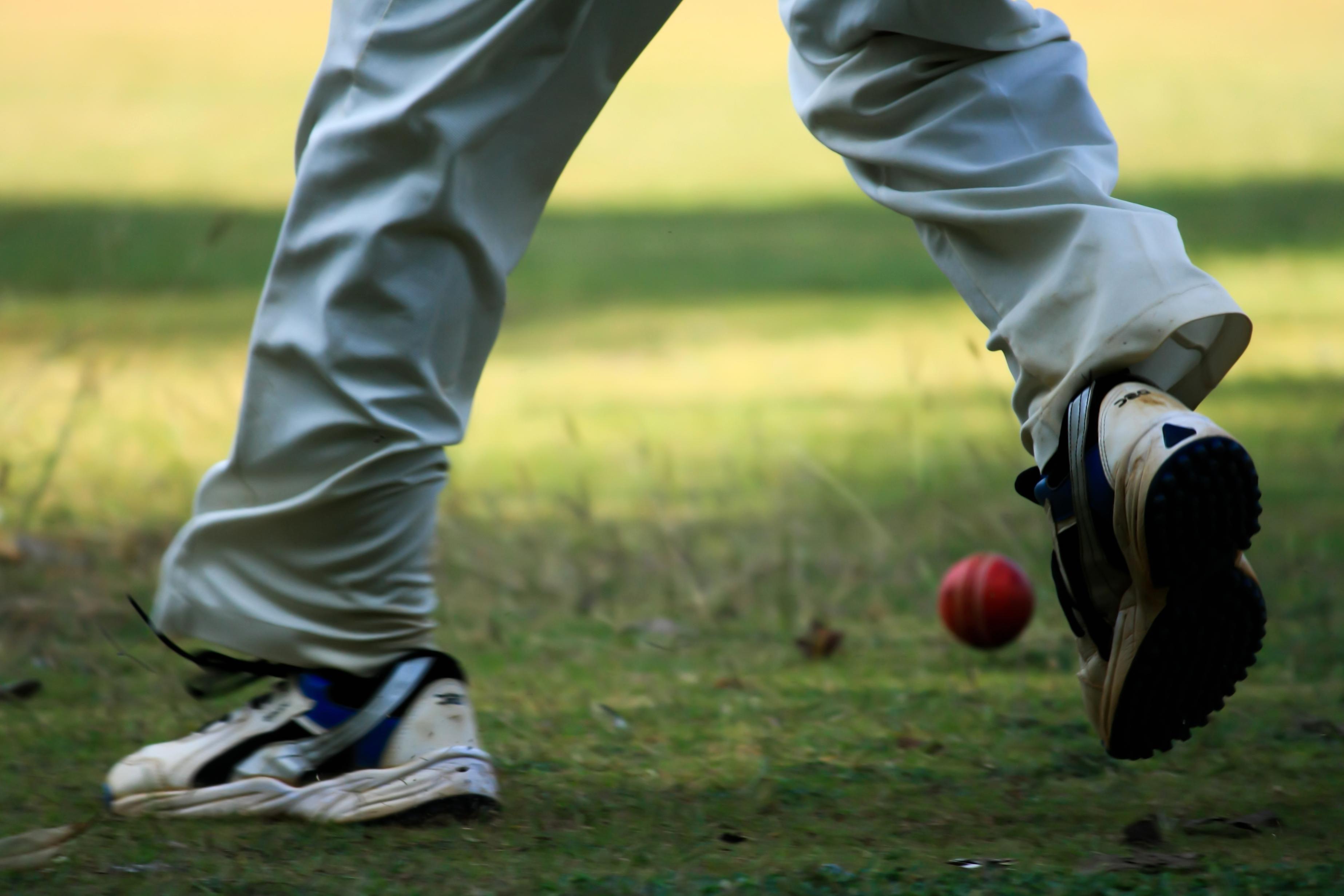 6b47dca04 Bezplatný obrázok: červená, lopta, športová obuv, loptu, rekreácia ...