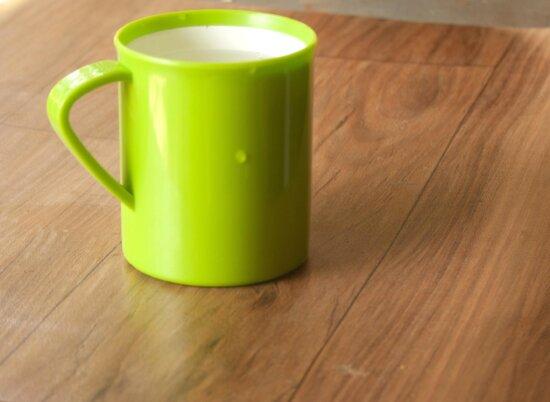 green, mug, table, object, cup
