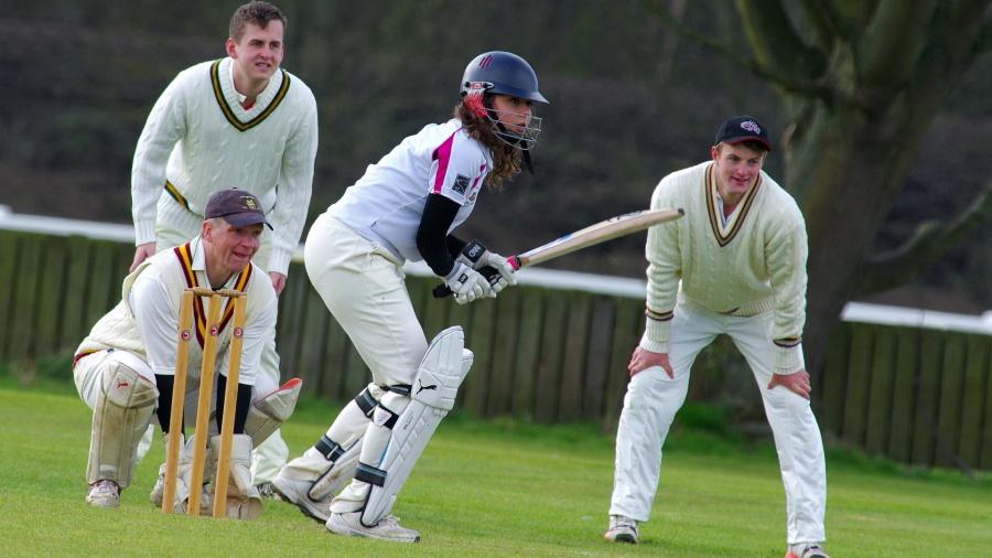 Sport di cricket, persone, gioco, erba, giocatore