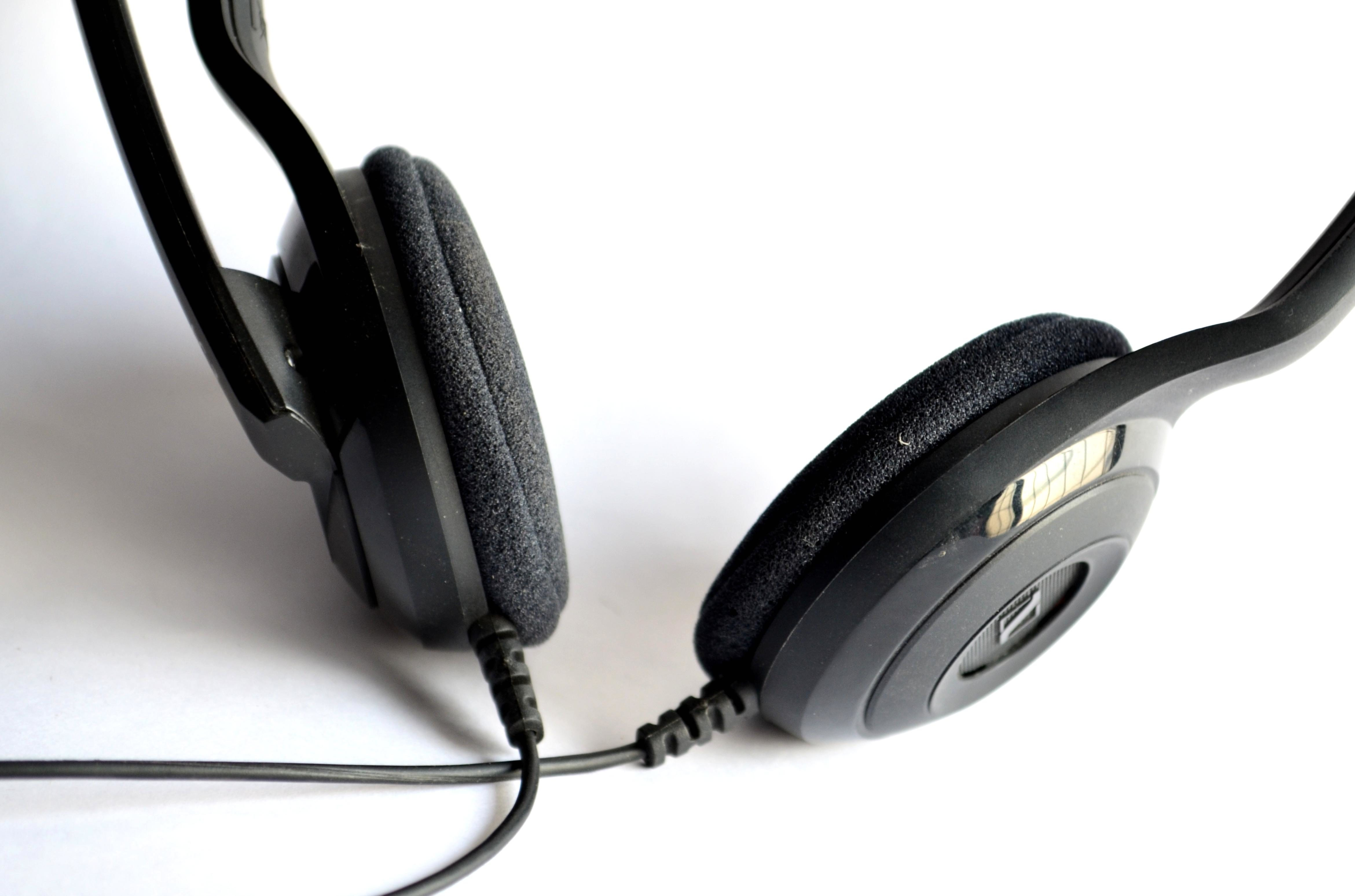 Free picture: headphones, device, wire, music