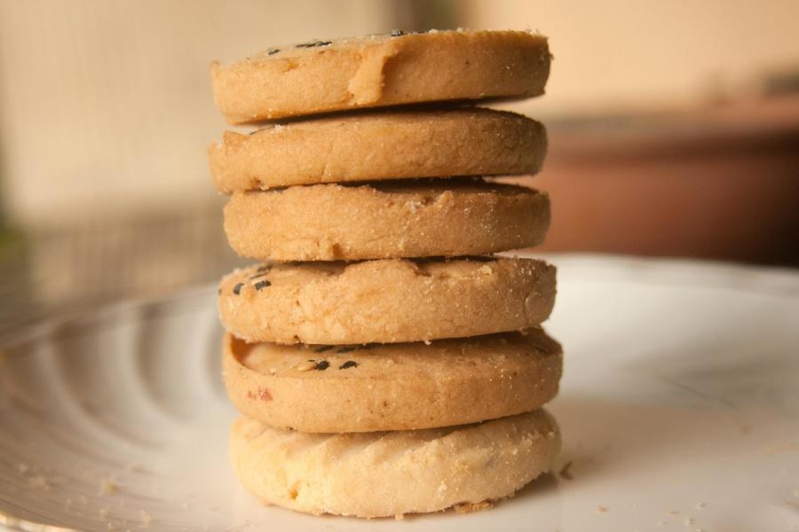 cookie, dessert, biscuit, plate, sweet, food, diet, brown