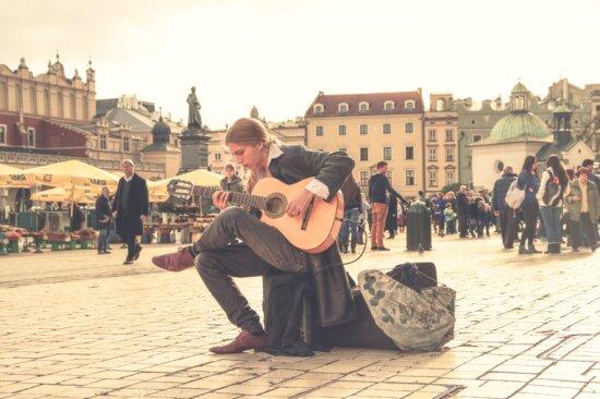 Leute, Innenstadt, Mann, Straße, Musiker, Gitarre, Stadt